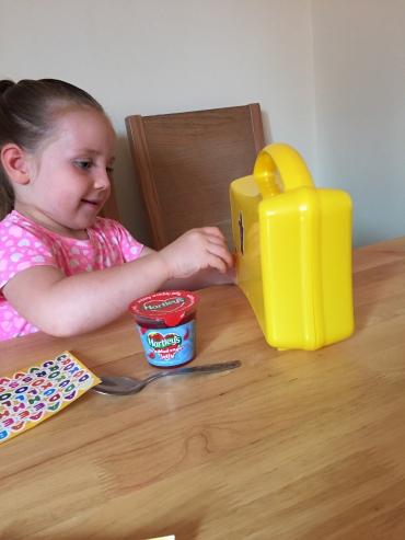 hartleys-lunchbox-jelly-pots