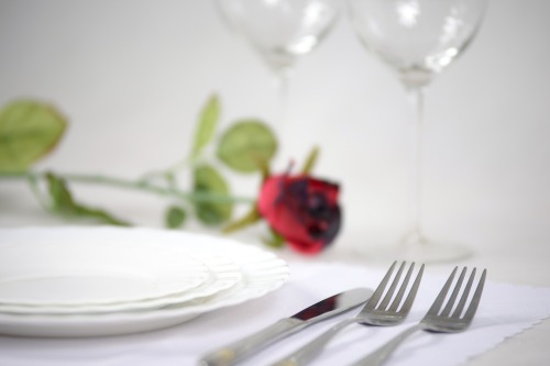 tableware-glasses-rose-crockery-cutlery
