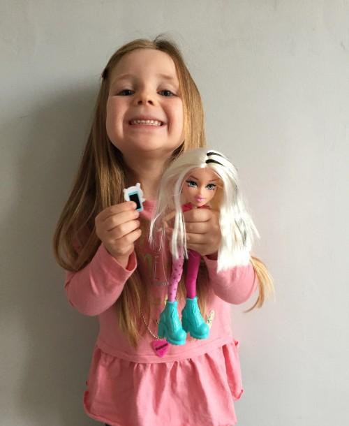 bratz-instapets-cloe-doll-in-play-daughter