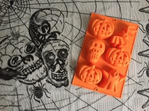 Lékué-halloween-cake-moulds-pumpkin-ghost-skull-bat