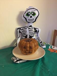 Lékué-pumpkin-cake-mould-skeleton