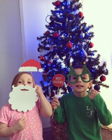 christmas-tree-kids-